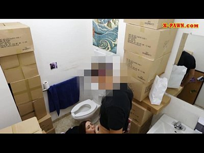 Porno video: Girl fucks pawn man to pay for her chain she pawned 2 months ago